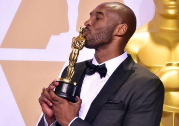 Kobe Bryant gây tranh cãi khi nhận giải Oscar