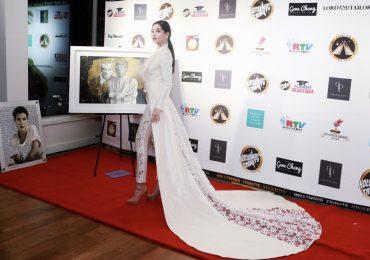 Lê Âu Ngân Anh bất ngờ trở thành vedette tại show diễn thời trang của Oscar
