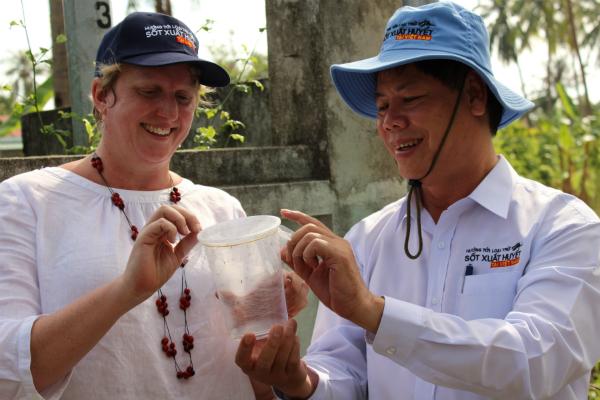 Lần đầu thả muỗi vằn phòng sốt xuất huyết trên đất liền Việt Nam