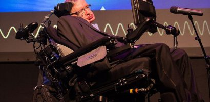 Nhà vật lý thiên tài Stephen Hawking qua đời ở tuổi 76
