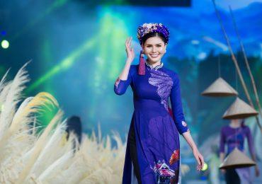 Á hậu Kim Nguyên diện áo dài sải bước trên đường catwalk 50m