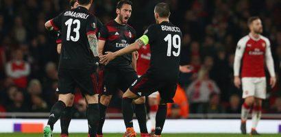 Welbeck lập cú đúp đưa Arsenal vào tứ kết Europa League