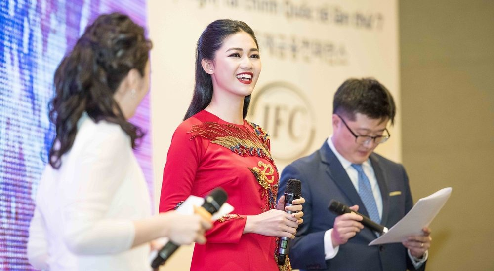 Á hậu Thanh Tú vinh dự trở thành Đại sứ thiện chí đầu tiên tại 'Hội nghị Tài chính Quốc tế Việt – Hàn'