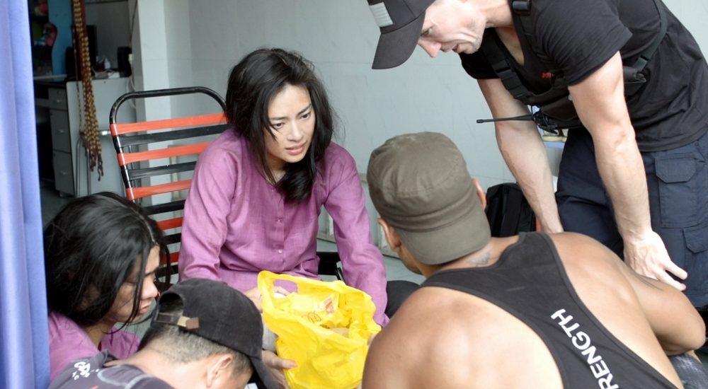 Diễn cảnh hành động, Ngô Thanh Vân té đến 'nứt xương đầu gối' trên phim trường