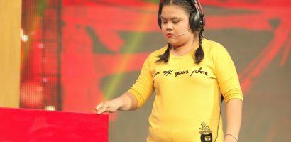 'Vui cười cười vui': Cười nghiêng ngả vì con gái nuôi của NSND Ngọc Giàu