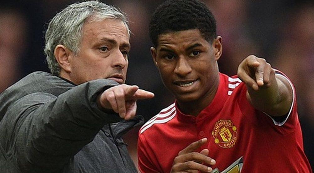 Mourinho nổi đóa khi bị De Boer chê bai cách dùng Rashford