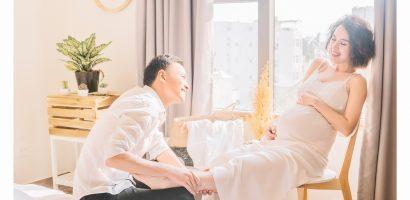 Bầu 8 tháng, Tú Vi rạng rỡ làm mẫu ảnh cùng chồng