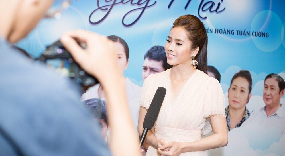 Bella Mai kể về cái tát của đàn chị Thân Thúy Hà trên phim trường