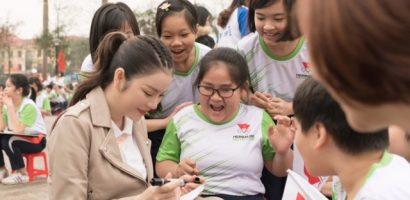 Lý Nhã Kỳ trẻ trung chạy giải hưởng ứng Asiad 2018