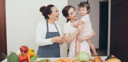 Mùng 8/3, ngắm bộ ảnh 3 thế hệ phụ nữ trong gia đình Á hậu Diễm Trang