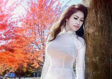 Đương kim Mrs. Vietnam World 2017 tự tin khoe nhan sắc tươi trẻ