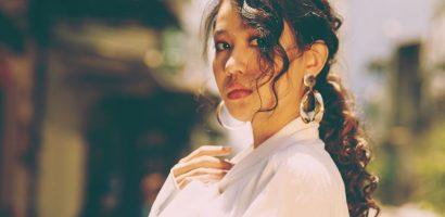 Đại ca của 'Tháng năm rực rỡ' diện gu thời trang thập niên 70 giữa lòng Sài Gòn