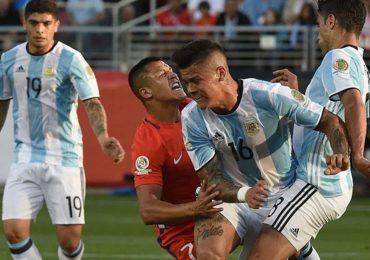 Rojo văng tục khi được Mourinho thông báo Alexis Sanchez tới MU