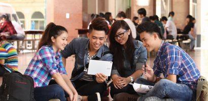 Sinh viên bức xúc vì phải khám sức khỏe mới được xét tốt nghiệp