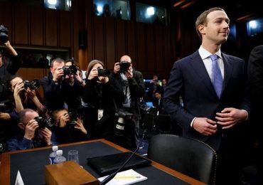 Mark Zuckerberg: Tỷ phú thích mặc áo thun và 2 lần hiếm hoi diện suit