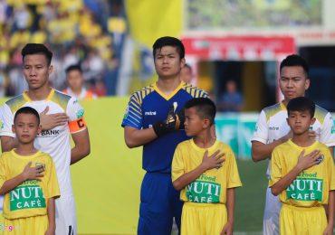 Ngoại binh Thanh Hóa nhắc đồng đội kèm chặt sao U23 Việt Nam