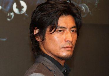 Tài tử Nhật Bản bị hoại tử xương đùi