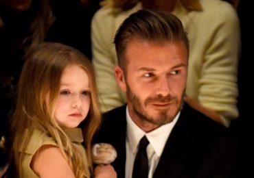 Để con gái lái xe không dây an toàn, David Beckham bị chỉ trích