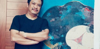 Triển lãm tranh lụa và ra mắt sách 'Hơi thở nhẹ' của họa sĩ Bùi Tiến Tuấn