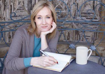 Tác giả 'Harry Potter' động viên cây viết trẻ trên mạng xã hội