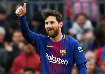 Messi chỉ chạy nhiều hơn trung vệ Eric Bailly ở Champions League