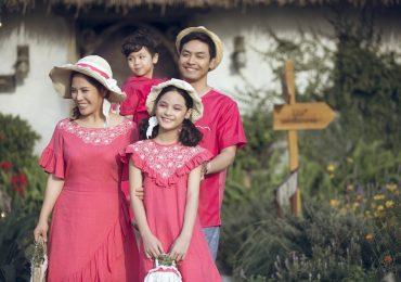MC Phan Anh đưa vợ và 3 con lên sàn diễn thời trang