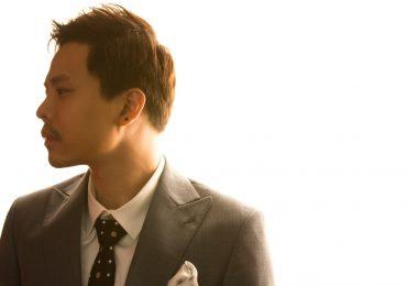 Trịnh Thăng Bình trầm tư, lịch lãm với tạo hình 'quý ông tuổi 30'