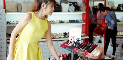 Minh Hà 'trốn' chồng con đi mua sắm một mình