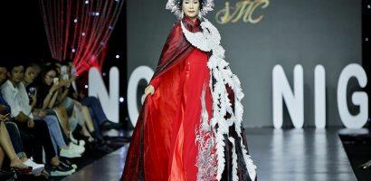 Trịnh Kim Chi lộng lẫy trình diễn áo dài đính 2.000 viên đá