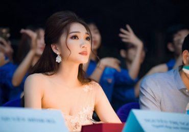 Người đẹp Ngọc Nữ duyên dáng làm giám khảo cuộc thi nhan sắc