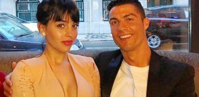 C. Ronaldo đi nghỉ cuối tuần ở khách sạn cùng bạn gái