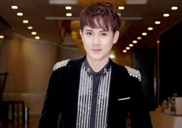 Ca sĩ Nguyên Vũ đắt show với vai trò giám khảo