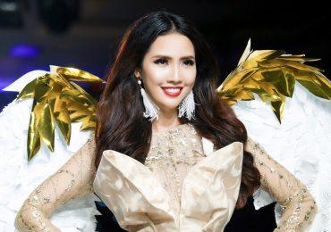 Người đẹp Phan Thị Mơ hóa thành thiên thần trên sàn catwalk