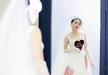 Văn Mai Hương hóa cô dâu xinh đẹp, lần đầu hát hit mới trên sóng truyền hình