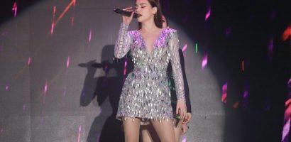 Kim Lý hộ tống Hồ Ngọc Hà biểu diễn 'Mùa hè không độ' tại Cần Thơ