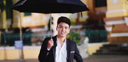 Hồ Quang Hiếu tiếp tục chinh phục người hâm mộ với 'Sài Gòn mưa rơi'