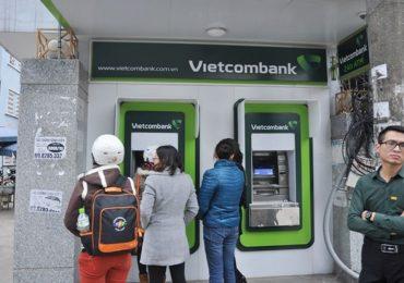 Tăng phí sử dụng thẻ: Ngân hàng đang tận thu?