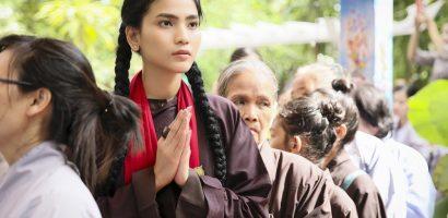 Mừng Phật đản, Á hậu Trương Thị May viếng chùa cầu bình an