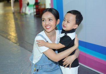 Diễn viên Thanh Trúc đưa con trai đi sự kiện, gây chú ý vì quá dễ thương