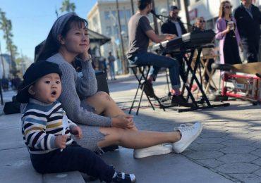 Chồng và con trai đến tận phim trường chăm sóc cho Khánh Hiền