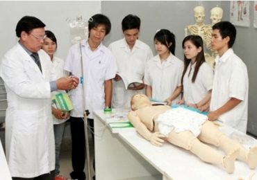 Thí sinh ồ ạt thi vào ngành Y: Cảnh báo hàng loạt bác sĩ thất nghiệp