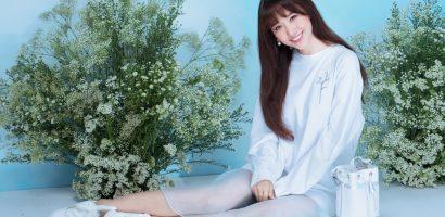 Hari Won khoe vai trần gợi cảm, đón hè với vẻ ngoài rạng rỡ