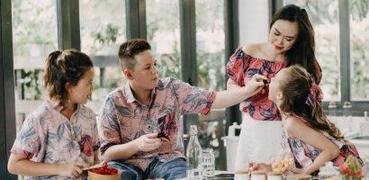 Ngắm ba nhóc tỳ lai Tây vô cùng đáng yêu của cựu người mẫu Nguyễn Ngọc Nga