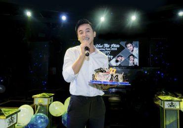 'Thầy giáo mưa' Mai Tài Phến cực điển trai, đón sinh nhật ấm áp cùng fan