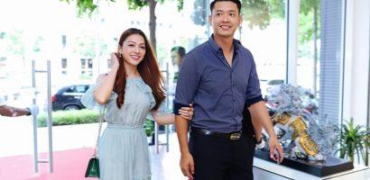 Vợ chồng Hồ Đức Vĩnh tình tứ tại sự kiện của doanh nhân Dương Quốc Nam