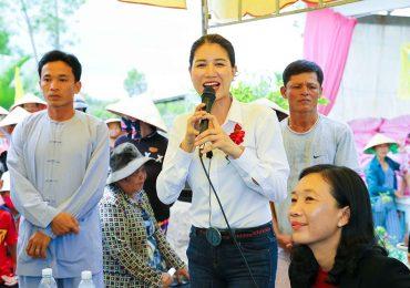 Trang Trần xây thêm cầu cho người nghèo
