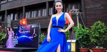 Hoa hậu Châu Ngọc Bích khoe chân thon gợi cảm với váy xẻ đùi