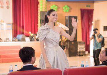 Phạm Hương xinh đẹp hết cỡ, làm giám khảo 'Miss Sakura 2018'