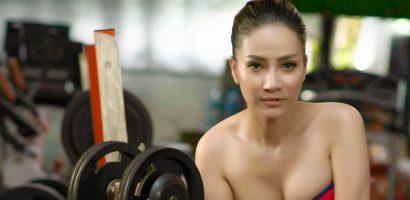 Bạn gái 9x của Hồ Việt Trung khoe 'đường cong' nóng bỏng