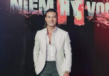 Hiếu Nguyễn tái xuất màn ảnh, hoá người hùng sân cỏ